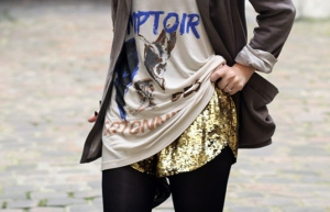 fashiolista-fashion-girl-gold-sequin-streetstyle-Favim.com-98940